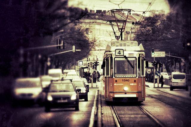 Achtet auf die Straßenbahnen!!!